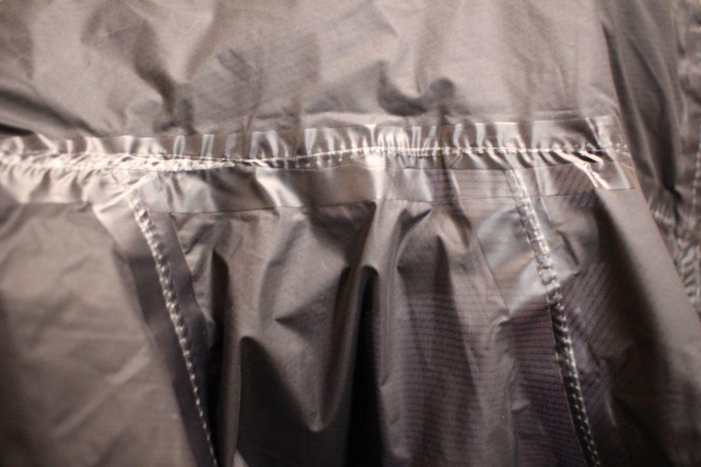 ジャケットの縫い目