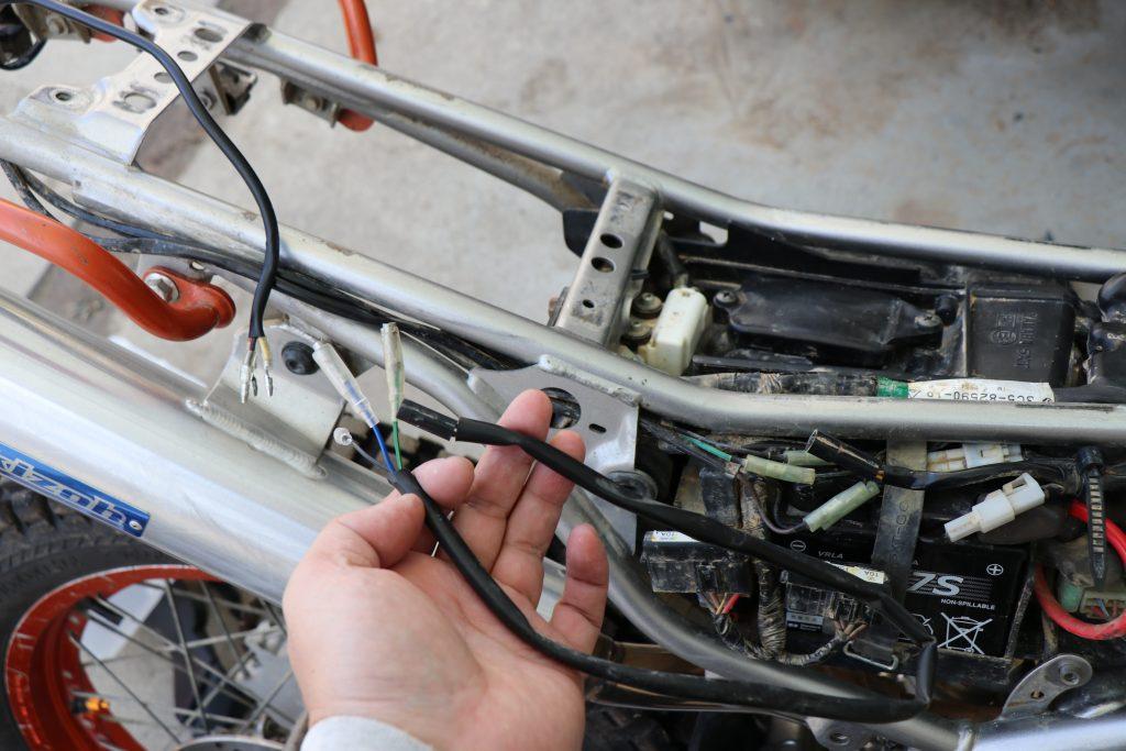 バイクと配線
